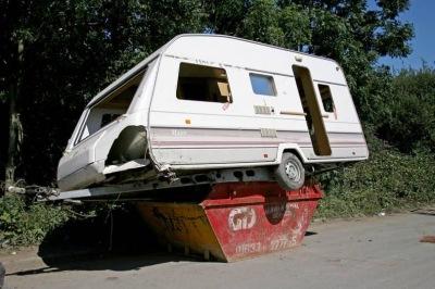 caravan found in ski MHZx0