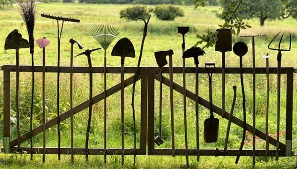 gardening tools 1478547 640